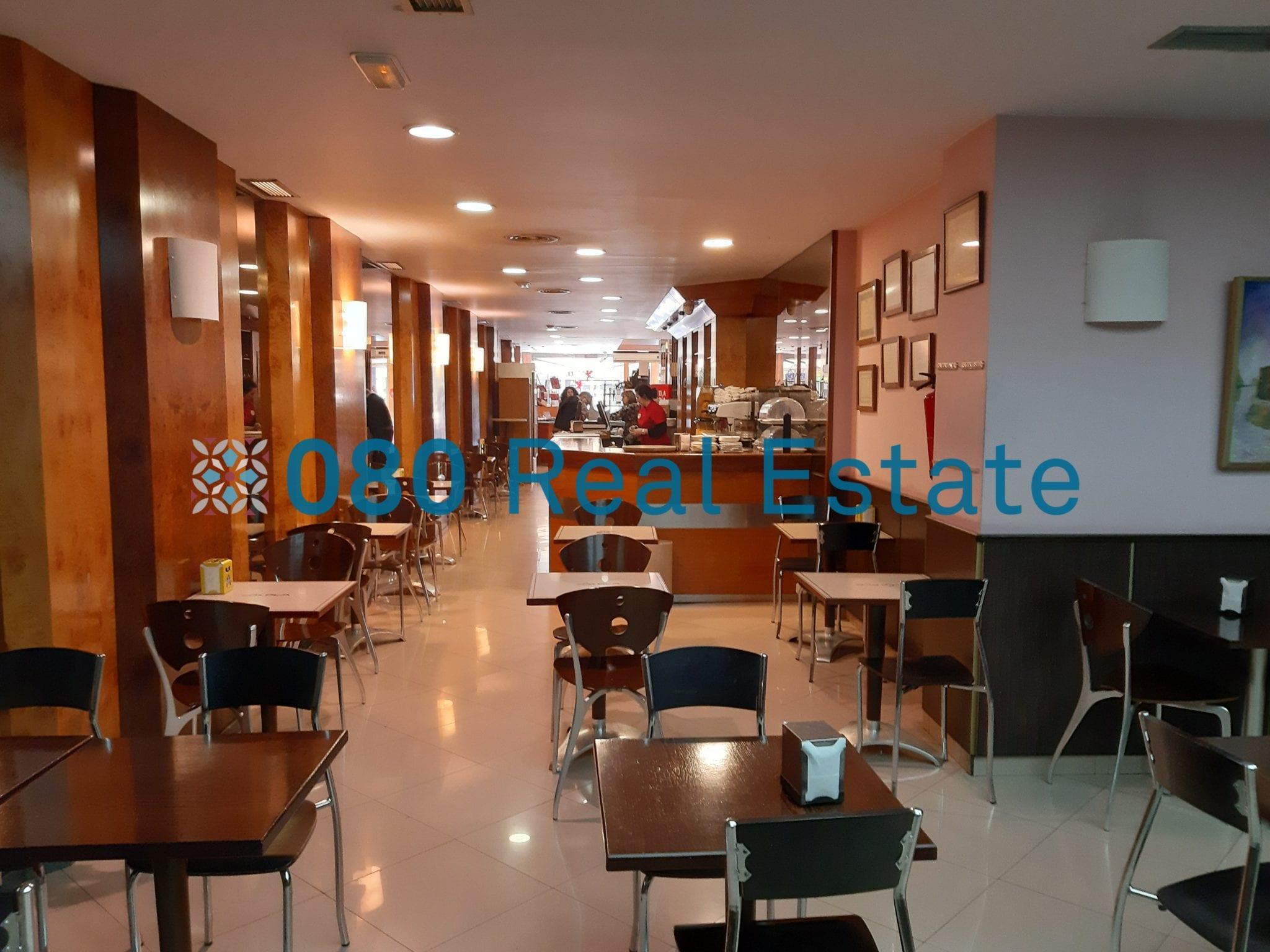 Bonito local en venta local de 840 m2, en calle Rocafort